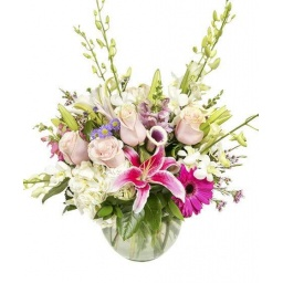 Burbuja grande con flores naturales