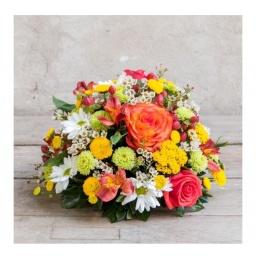 Arreglo con flores multicolor