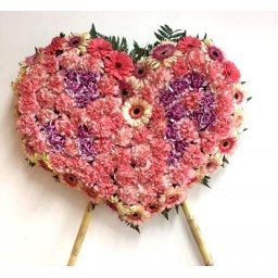 Corazón de flores naturales