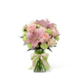Florero en tonos rosa y verdes