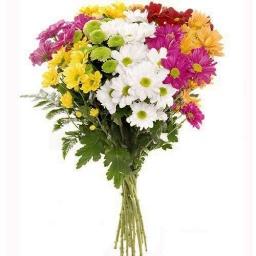 Ramo colorido con flores de estación