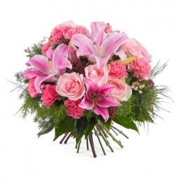 Ramo con flores variadas rosadas