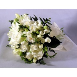 Ramo de novia redondo blanco